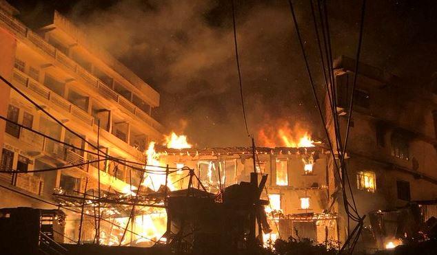 फुङलिङ बजारमा आगलागी हुँदा सात घर जलेर नष्ट